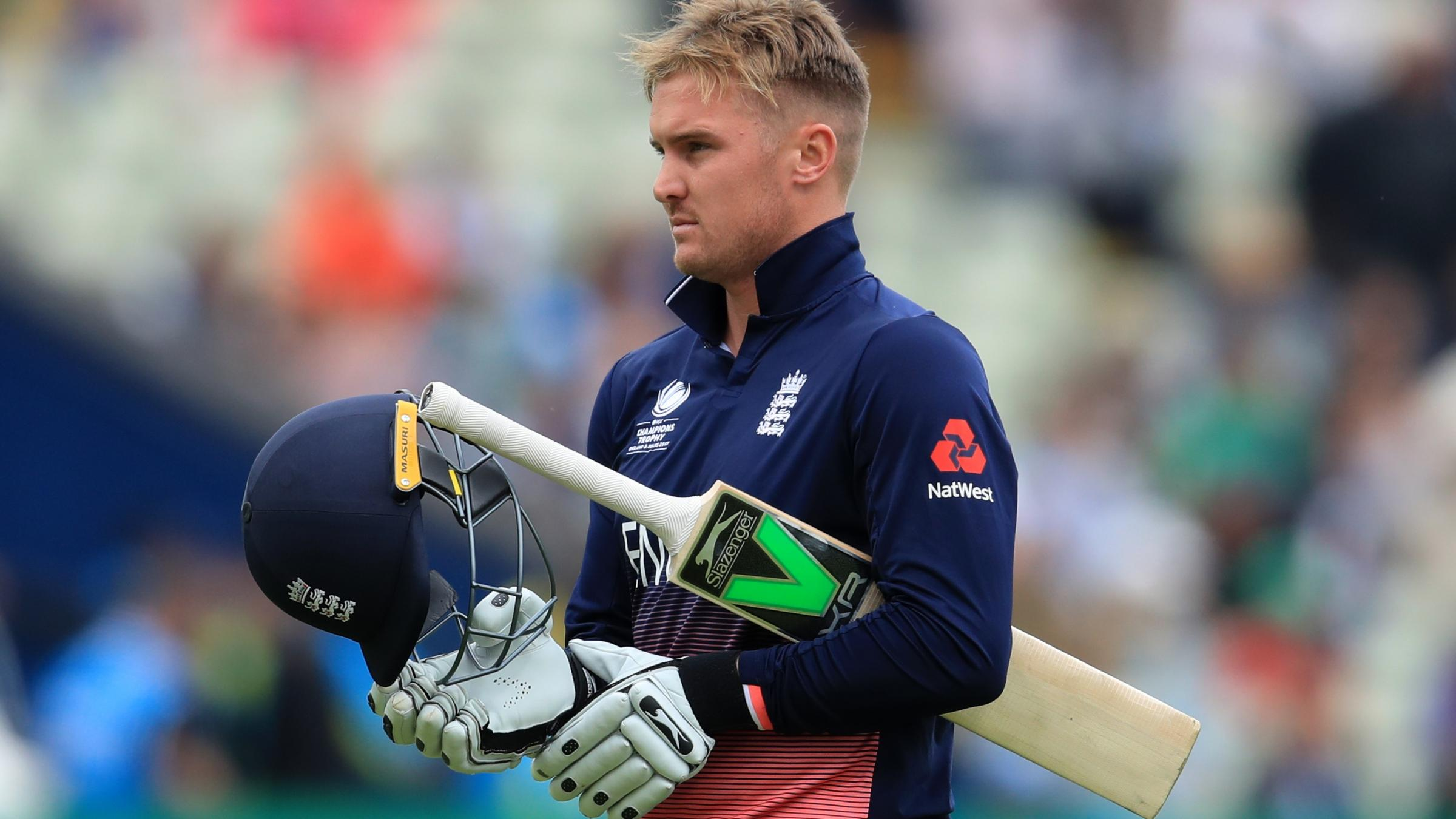 England crumble to 211 all out against Pakistan